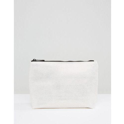 metallic diamond print make up bag - white wyprodukowany przez New look