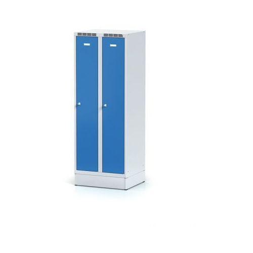 Metalowa szafka ubraniowa obniżona, na cokole, niebieskie drzwi, zamek obrotowy