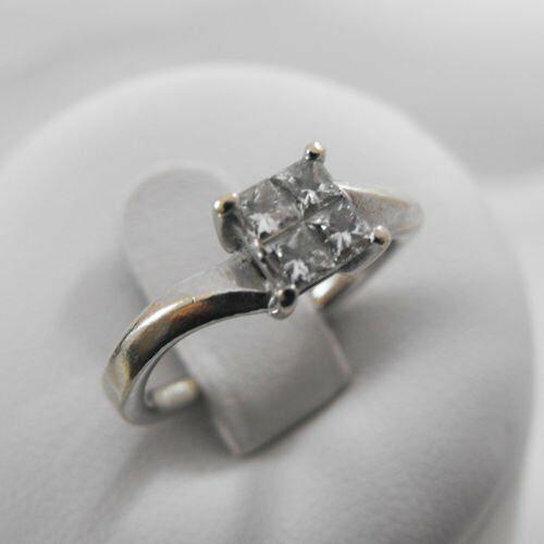 Złoty pierścionek z brylantami P905
