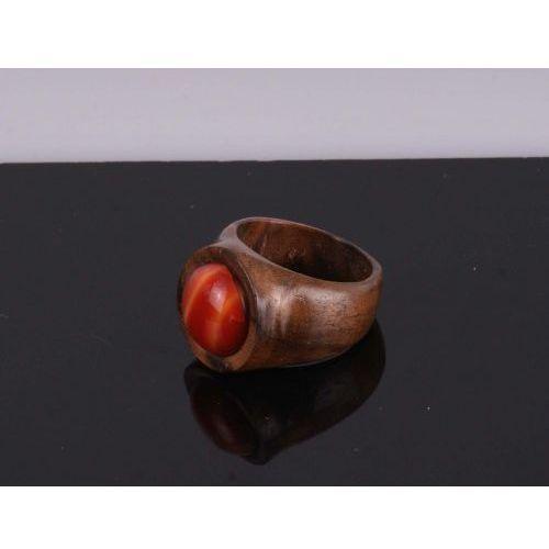 Pierścien z orzecha tureckiego z ozdobnym kamieniem, pier4