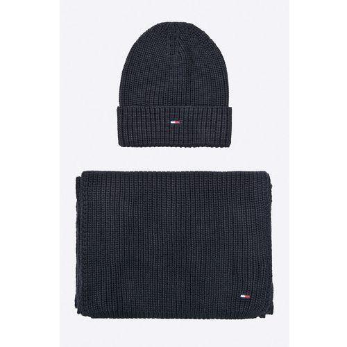 - czapka i szalik marki Hilfiger denim