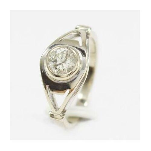 Złoty pierścionek z brylantem P499, kolor żółty