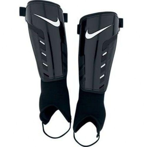 Nike Ochraniacze piłkarskie park shield sp0252-067 izimarket.pl