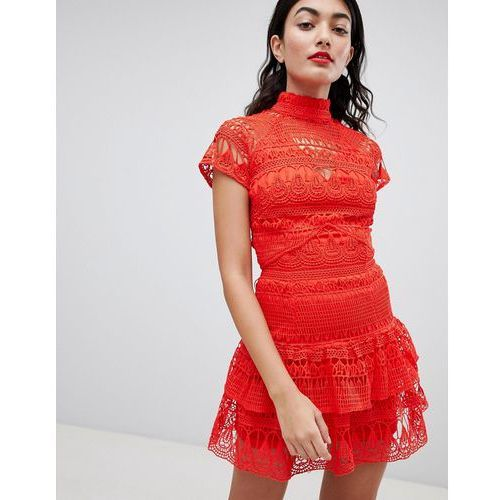 high neck lace tiered dress - red, Prettylittlething