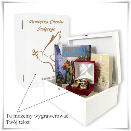 Zestaw prezentowy na chrzest w drewnianej szkatułce z możliwością graweru dedykacji z kategorii Na parapetówkę dla nich