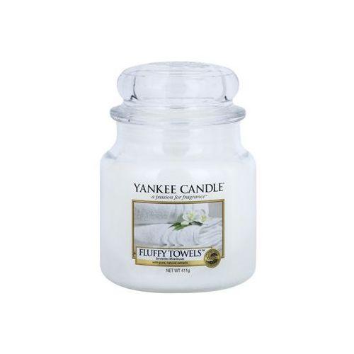 fluffy towels 411 g classic średnia świeczka zapachowa od producenta Yankee candle