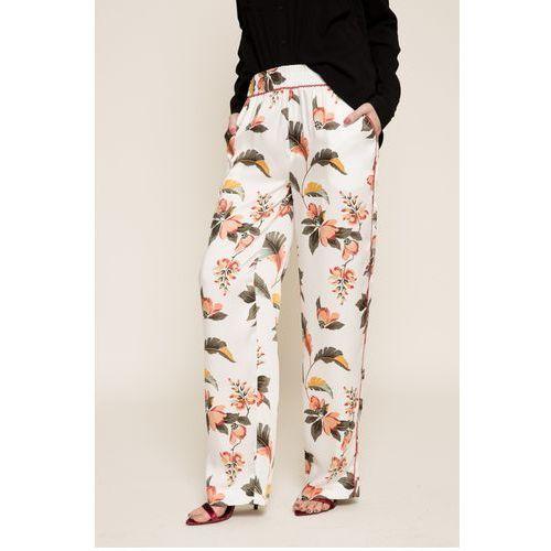 - spodnie marki Pepe jeans