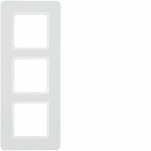 Ramka 3-krotna biały aksamit lakierowany q.7 10136189 marki Hager polo sp. z o.o.