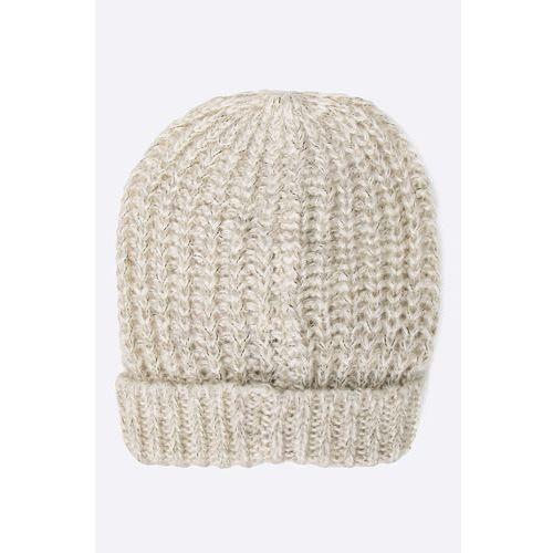 - czapka marki Vero moda