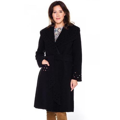 Czarny płaszcz z ażurowym wzorem - Potis & Verso