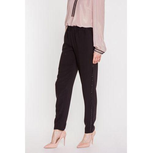 Czarne spodnie z lampasami - SU, kolor czarny