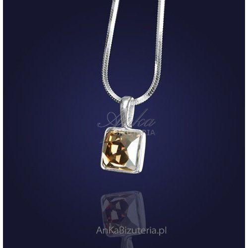 Wisiorek z kryształem swarovskiego w kolorze golden shadow-elegancki złoty odcień. marki Anka biżuteria