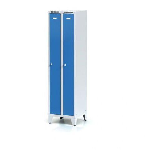 Metalowa szafka ubraniowa, wąska, na nogach, niebieskie drzwi, zamek obrotowy