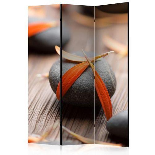 Parawan 3-częściowy - kamienie i płatki kwiatów [room dividers] marki Artgeist