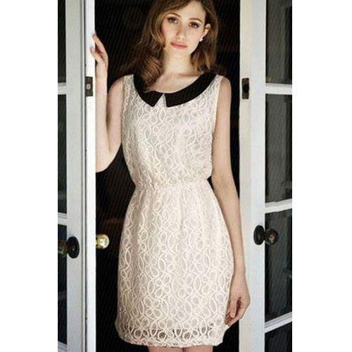 Biała Koronkowa Sukienka z Czarnym Kołnierzykiem, kolor biały