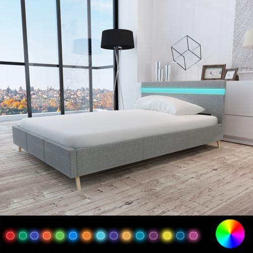 Vidaxl  rama łóżka z materiałowym jasno szarym obiciem+pas led 200 x 140 cm