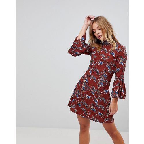 high neck floral dress with flare sleeve - red marki Parisian