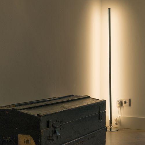 Lampa podlogowa Line-up LED chrom