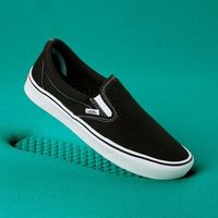 buty VANS - Comfycush Slip-On (Classic) Black/True Whit (VNE) rozmiar: 44.5