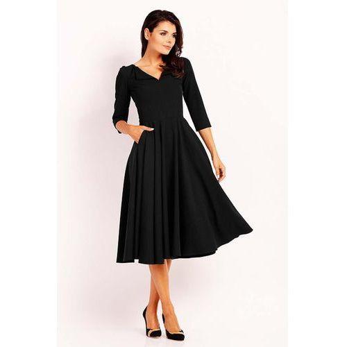 Czarna Elegancka Rozkloszowana Sukienka z Wykładanym Kołnierzem, rozkloszowana