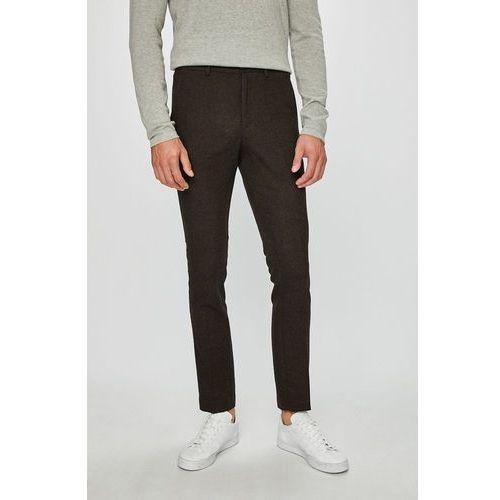 - spodnie marki Selected