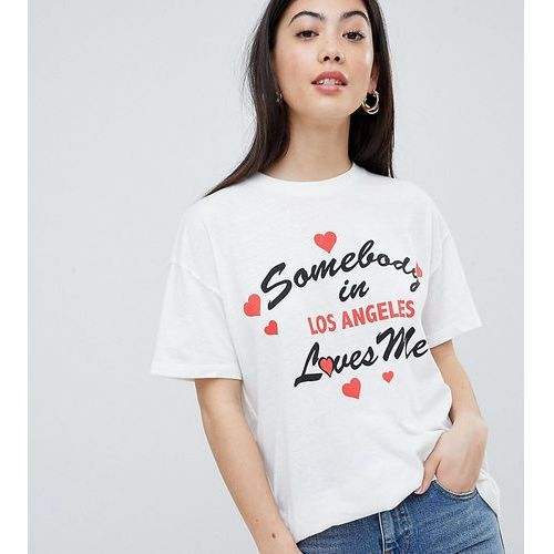 Asos design petite relaxed t-shirt with somebody loves me print - cream marki Asos petite