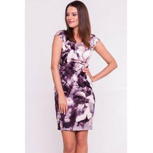 Fioletowa sukienka z kwiatowym motywem - Carmell