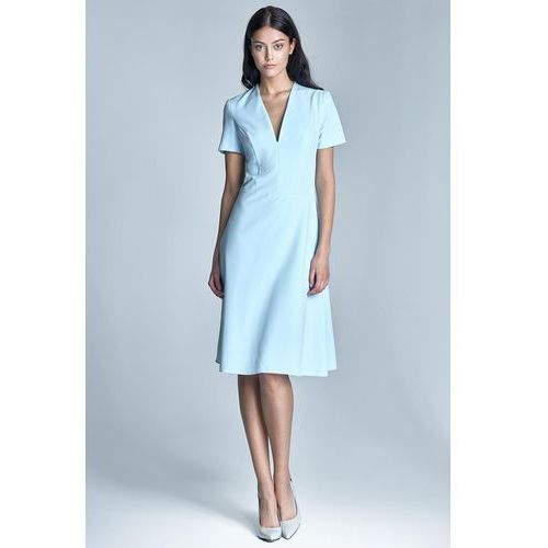 Elegancka Błękitna Sukienka Midi z Głębokim Dekoltem w Szpic, w 5 rozmiarach