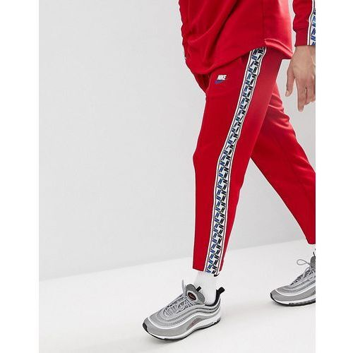 joggers with taped side stripe in regular fit in red aj2297-687 - red, Nike, M-XXL