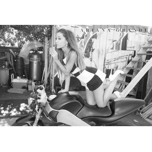 Ariana Grande Motor - plakat (5028486327744)