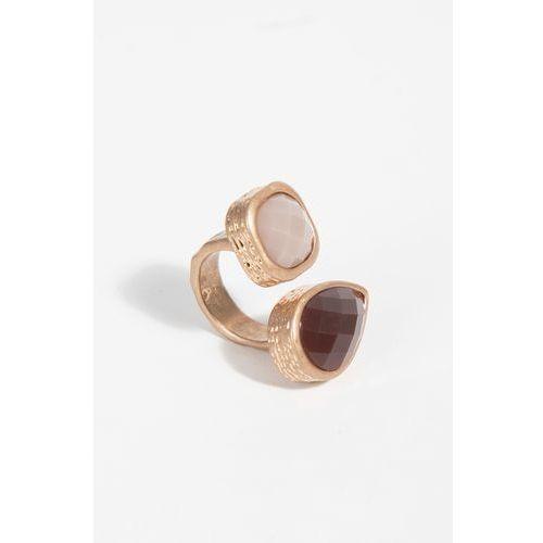- pierścionek marki Parfois