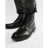 hopkins brogue boots in black - black marki Base london