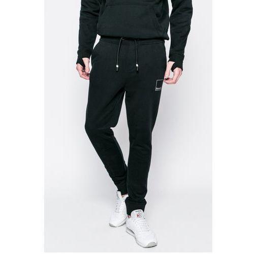 - spodnie marki Bench