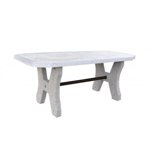 Betonowy stół piknikowy z blatem z betonu szlifowanego
