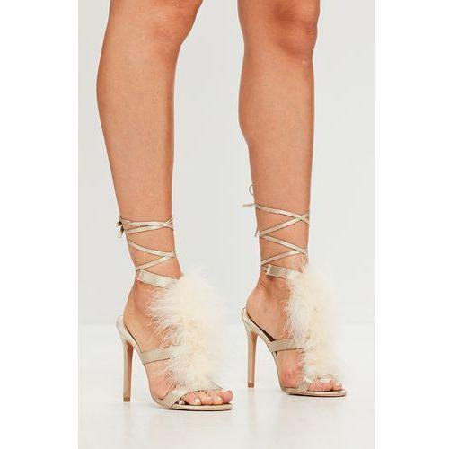 - sandały marki Missguided