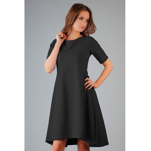 Czarna elegancka rozkloszowana sukienka z wydłużonym tyłem marki Tessita