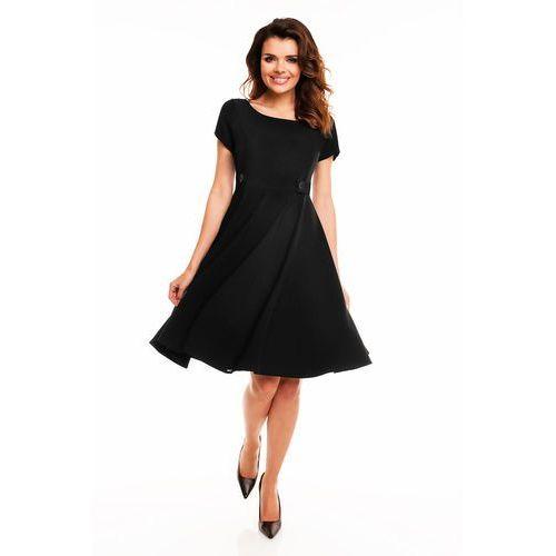 Czarna Rozkloszowana Sukienka z Podkreśloną Talią, rozkloszowana