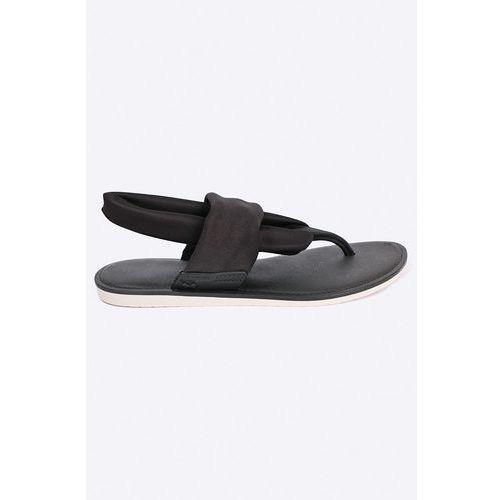 - sandały marki Zaxy