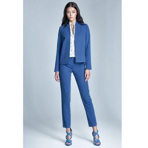 Niebieskie eleganckie spodnie cygaretki z asymetrycznym zapięciem marki Nife