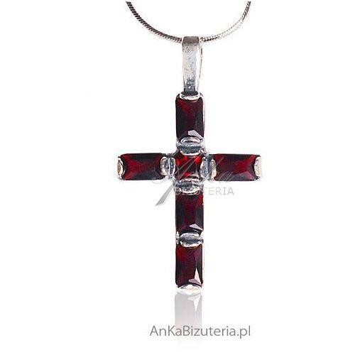 Anka biżuteria Wisiorek - krzyżyk srebrny oksydowany z granatami
