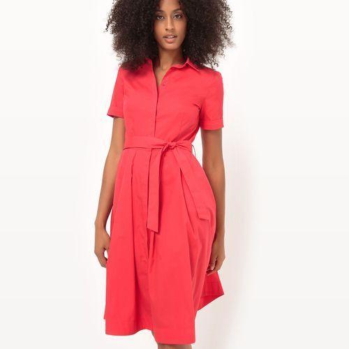 Rozszerzana sukienka koszulowa z paskiem, kolor czerwony