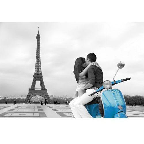 Gb Paryż wieża eiffla - zakochani i niebieski skuter - plakat