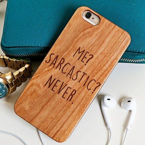Sarcastic - Drewniana Obudowa - Orzech - iPhone 5/5s/SE - produkt z kategorii- Obudowy do telefonów