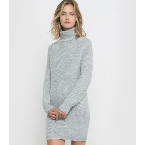Sukienka swetrowa, R studio