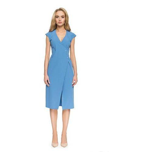 Zakładana kopertowo niebieska sukienka midi z guzikami marki Moe