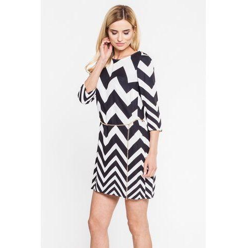 Zwiewna sukienka w czarno-biały zygzak - Bialcon