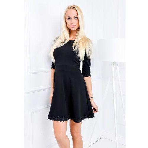 Sukienka kloszowana z koronkowym dołem, kolor czarny