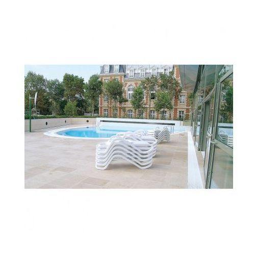 Bezpieczne lustra basenowe – na zewnątrz