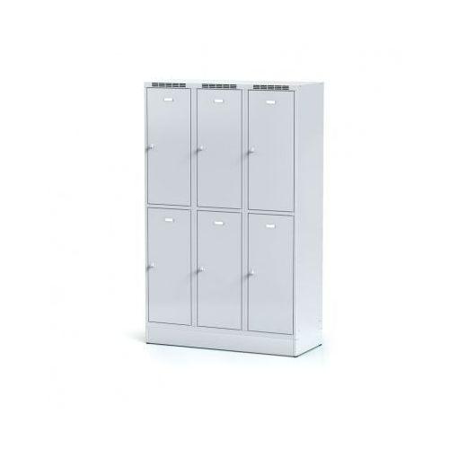 Alfa 3 Metalowa szafka ubraniowa 6-drzwiowa na cokole, drzwi szare, zamek cylindryczny