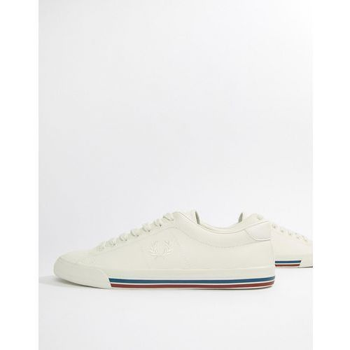 underpsin leather trainers in white - white marki Fred perry